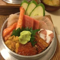 Foto tirada no(a) Sendai por Erica S. em 12/28/2012