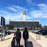 Photo taken at Newark Liberty International Airport Marriott by Shinichiro M. on 4/25/2013