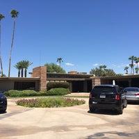Снимок сделан в Twin Palms, Frank Sinatra House пользователем Tirtha D. 8/13/2016