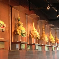 Photo taken at Osha Thai Restaurant & Lounge by Chona G. on 6/2/2013
