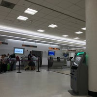 Photo taken at United Airlines Check-in by Yuho K. on 10/8/2017