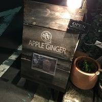 รูปภาพถ่ายที่ Apple&Ginger โดย Yuho K. เมื่อ 3/31/2016