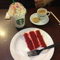 รูปภาพถ่ายที่ Starbucks โดย Bruna V. เมื่อ 2/26/2017