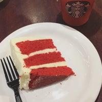 รูปภาพถ่ายที่ Starbucks โดย Bruna V. เมื่อ 4/27/2017