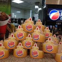 Foto tirada no(a) Burger King por Rodrigo B. em 4/29/2013