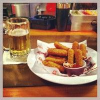 Photo taken at Hooters Restaurant by Jarl-Erik S. on 5/16/2013