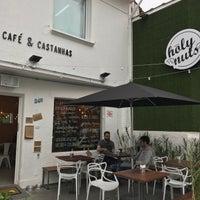 Foto tirada no(a) Holy Nuts Café por Fabio T. em 8/10/2017