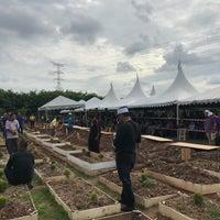 Photo taken at Tanah Perkuburan Islam Batu Muda by aqil r. on 9/15/2017
