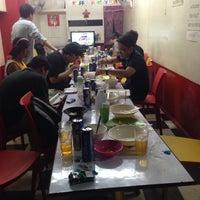 Foto tomada en Rob's Asian Diner por Gela C. el 12/16/2014
