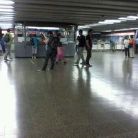 Foto tomada en Metro Santa Lucía por Pablo S. el 3/24/2012