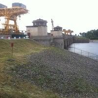 Снимок сделан в Плотина Иваньковской ГЭС пользователем Екатерина Б. 6/26/2012