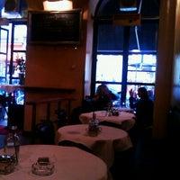 Foto tirada no(a) Café Daniel Moser por Mariya em 5/4/2012