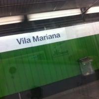 Foto tirada no(a) Estação Vila Mariana (Metrô) por Denis S. em 2/10/2012
