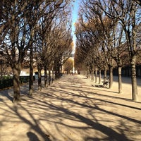 Foto tirada no(a) Jardin du Palais Royal por Roger H. em 11/25/2012