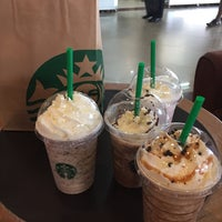 Photo taken at Starbucks by Prim'Sutthicha W. on 1/18/2017