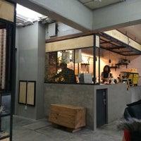 Foto tomada en Rompeolas Café por Hugo O. el 2/15/2016