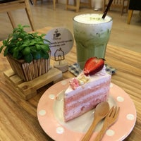 Photo taken at Good Cup Cafe' by Ggroup P. on 10/16/2014