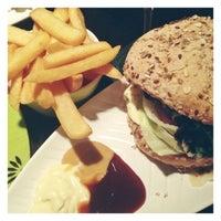 Das Foto wurde bei Rotkäppchen Burgergrill von Steffi H. am 3/9/2013 aufgenommen