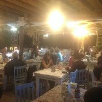 8/29/2017 tarihinde Gökhan E.ziyaretçi tarafından Athena Balık Restaurant'de çekilen fotoğraf