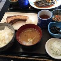 Photo taken at 魚料理のじま by Yoshiyuki N. on 2/19/2016