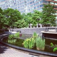 Foto tirada no(a) Nelson A. Rockefeller Park por Kristi B. em 5/31/2013