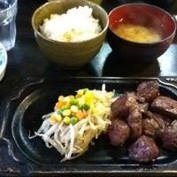 Photo taken at 町のステーキ屋さん 加真呂 錦糸町店 by Hiroki K. on 10/2/2012