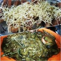 Photo taken at Ket's Kitchen by Dori Akmar A. on 4/18/2014