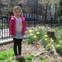 Foto scattata a Riverside Park - 91st Street Garden da Nancy K. il 4/17/2013