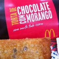 Foto tirada no(a) McDonald's por Isac N. em 9/20/2012