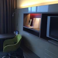 Das Foto wurde bei Mercure Hotel Martiniplaza von Ahmad A. am 10/24/2015 aufgenommen