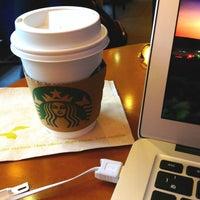 Photo taken at Starbucks by Kéita on 4/17/2013