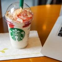 Photo taken at Starbucks by Kéita on 6/19/2013