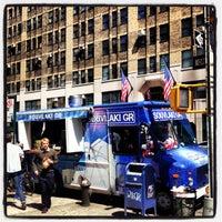 Foto diambil di Souvlaki GR Truck oleh Alexis T. pada 4/25/2013