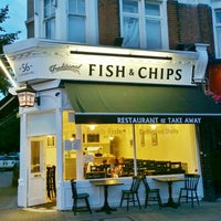 Foto tirada no(a) Cannons Fish and Chips por Fizzy S. em 7/23/2014
