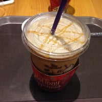 Photo taken at The Coffee Bean & Tea Leaf by Francis L. on 12/5/2015