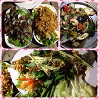 Photo taken at ร้านภูน้ำพุ by DaDaz P. on 3/7/2014