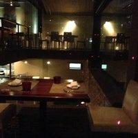 Photo taken at Lola Restaurante & Lounge by Lineu P. on 4/7/2013
