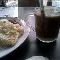 Photo taken at Kafe mat'am manwas salwa. by Shidi S. on 9/22/2012