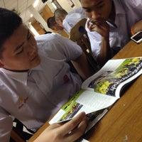 Photo taken at ห้องสมุดโรงเรียน ภ.ป.ร. ราชวิทยาลัย ในพระบรมราชูปถัมภ์ by Lilyjane on 12/12/2014