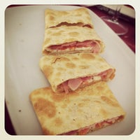 Photo taken at Cambalache Pasta & Pizza by Jesús P. on 8/23/2013