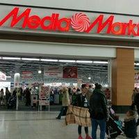 Das Foto wurde bei Media Markt von Angi _. am 5/17/2016 aufgenommen