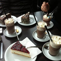 Das Foto wurde bei Chocolat Grand Café von Roberto D. am 12/19/2012 aufgenommen