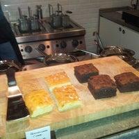 Foto tirada no(a) NOODELI - Pasta Take Away por Tobias H. em 11/14/2012