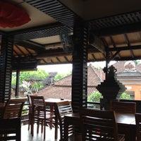 Photo taken at Melting Wok Warung by Denita P. on 11/18/2012