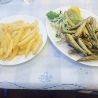 8/2/2015 tarihinde Dóra K.ziyaretçi tarafından Ψαροταβερνα Κουκλις / Kouklis Restaurant'de çekilen fotoğraf