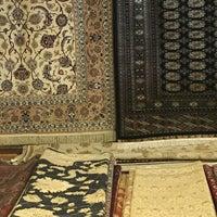 Photo taken at Κατσιάνης Handmade Carpets by Tasos K. on 4/8/2016