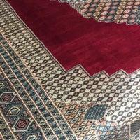 Photo taken at Κατσιάνης Handmade Carpets by Tasos K. on 3/23/2018