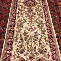 Photo taken at Κατσιάνης Handmade Carpets by Tasos K. on 12/27/2017