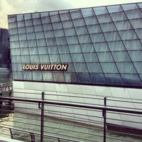 Photo taken at Louis Vuitton Island Maison by Abs d. on 1/3/2013