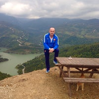 Photo taken at Mor Salkım Çay Bahçesi by kuzey y. on 10/30/2015